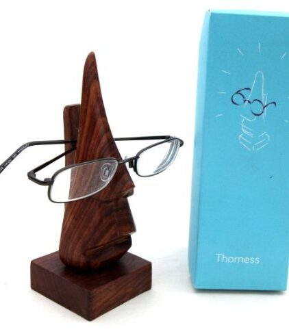 Nose-shaped-wooden-spectacle-holder-0